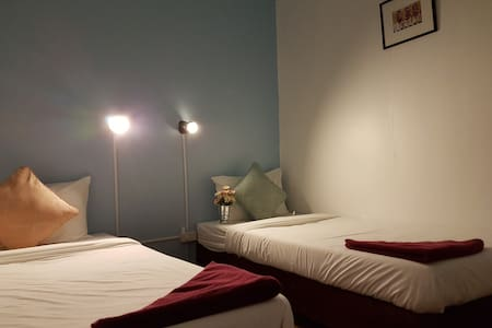 Fundee House Cozy Twin bed - Ao Nang - Bed & Breakfast