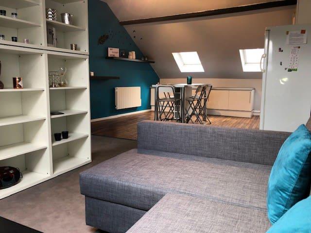 Grande pièce à vivre, vue depuis le salon