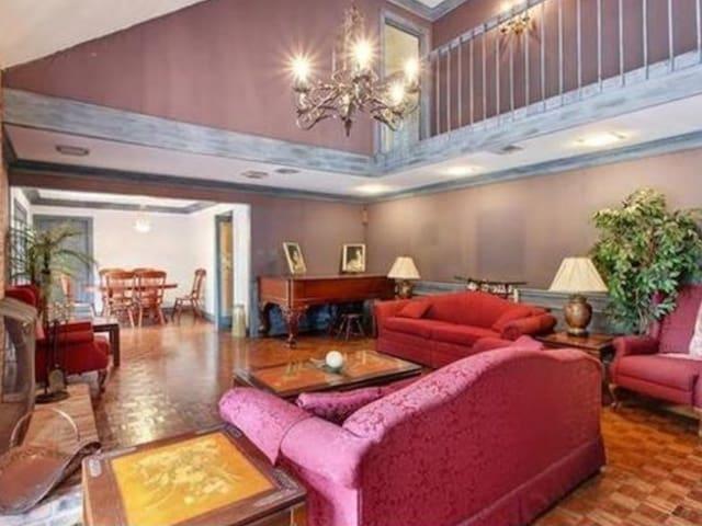 Charming Spacious Home - Gretna - Hus