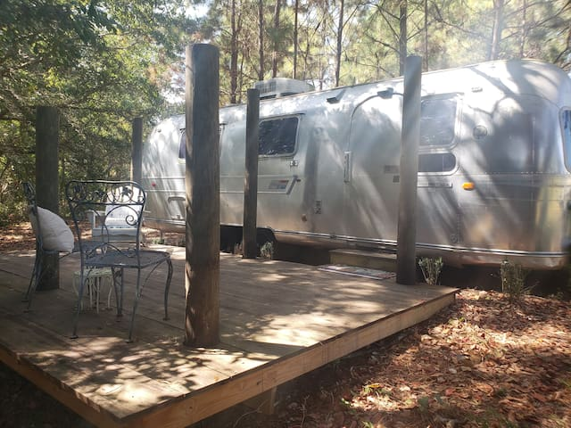 1971 Vintage Airstream Lakeside