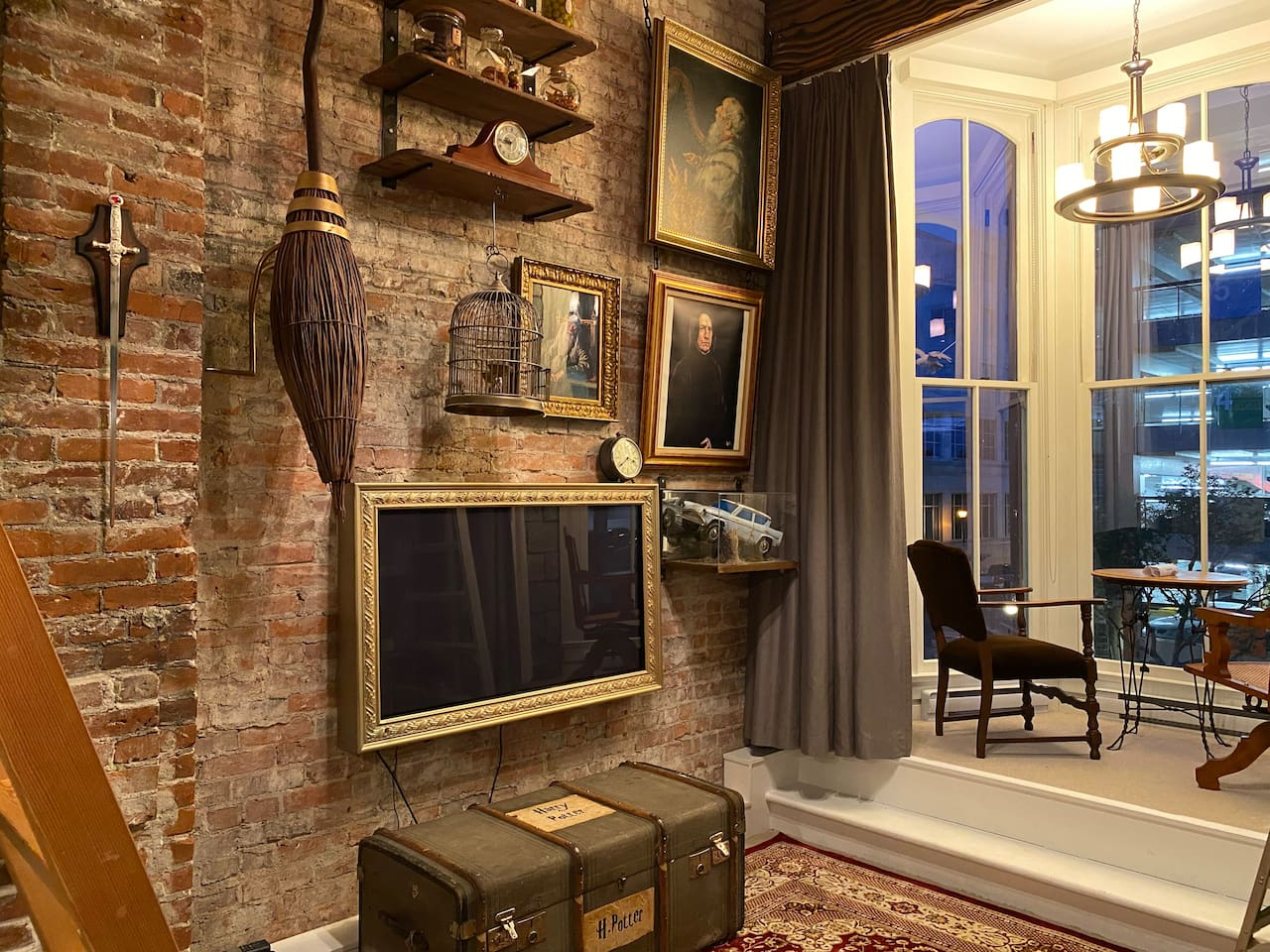 Common Room Styled Airbnb Offers A Harry Potter Experience In Victoria Photos