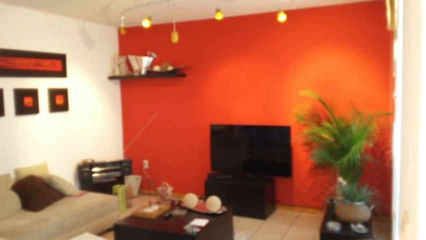 Great Location-convenient apartment - Santa Rosa Jáuregui - Pis