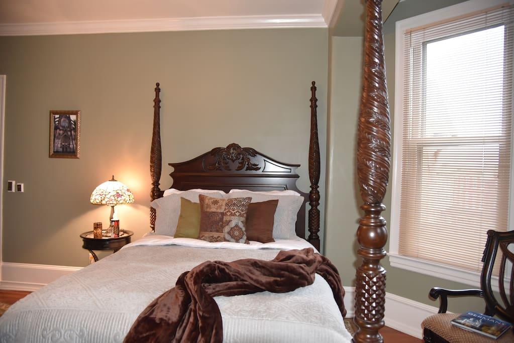 the bismarck bed breakfast cologne room bed and. Black Bedroom Furniture Sets. Home Design Ideas