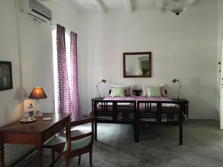 Villa Helena Large Terrace Room& gourmet breakfast