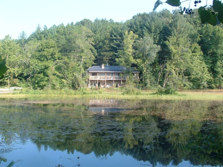 Beaver Lake House-Welcome to Social Distance Land!