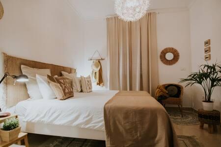 Habitación privada para dos personas. Opción de dos camas individuales, o una cama doble