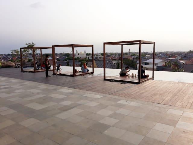 Kolam renang roof top