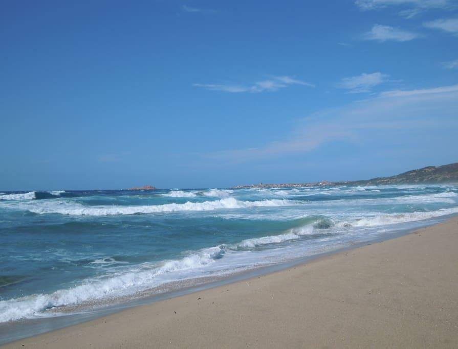spiaggia di Badesi vista isola rossa