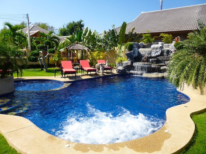 Luxury pool house Pattaya, Thailad