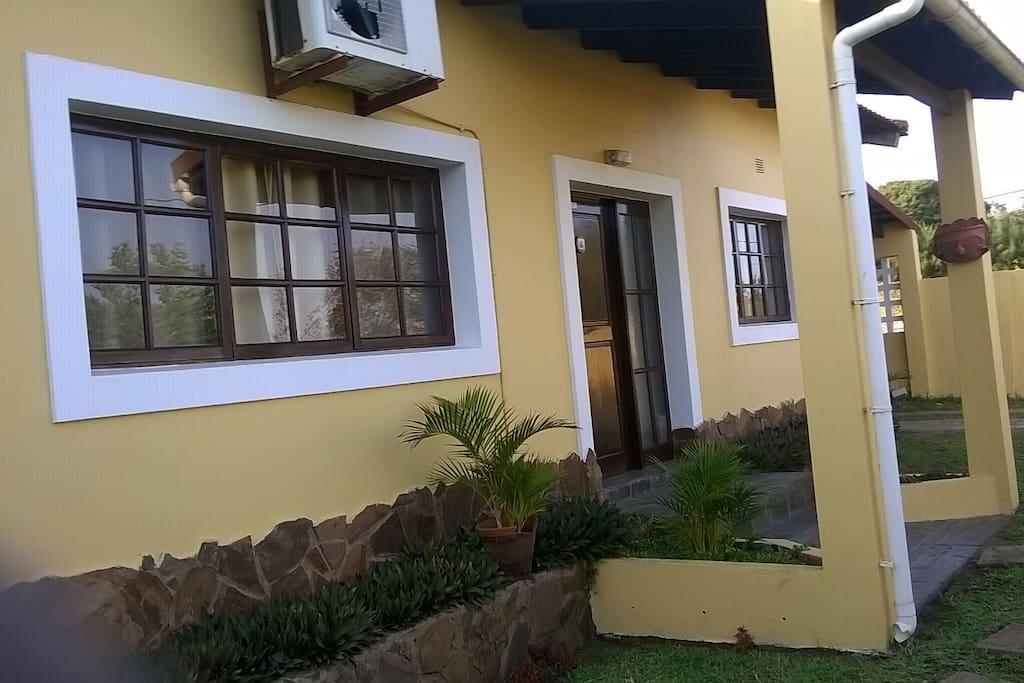 Vista Frontal da casa principal