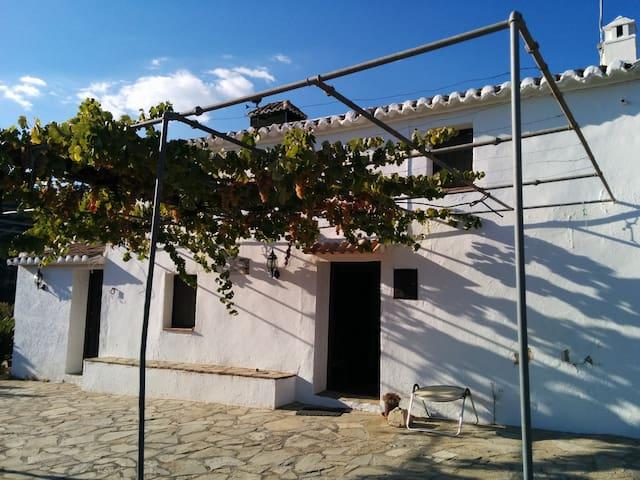 """Casa rural-cortijo """"El Lagarillo de Troya"""" - Colmenar - Casa"""