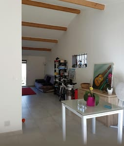 Joli studio moderne(45 m2)  à Clarensac (Gard) - Clarensac - 独立屋