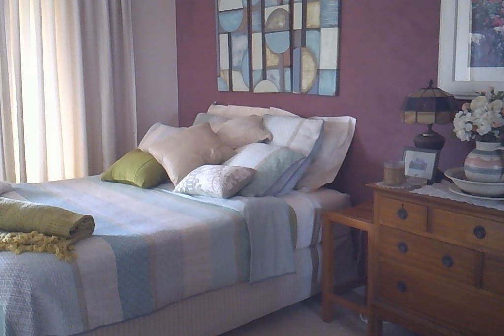 Set up as 2 king singles or convert to a king size double bed