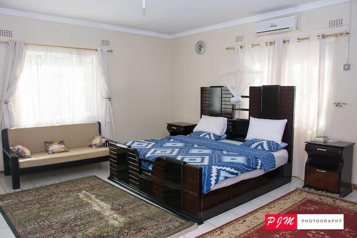 Luxurious accomodation in Liwonde