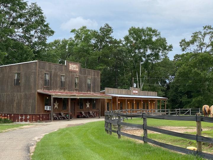 King The Breyer Horse Suite Elegant Horse Estate