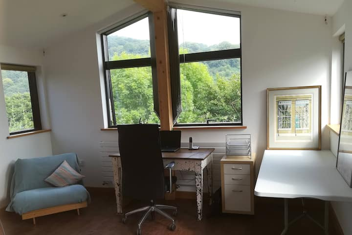 Spectacular remote workspace in the Brecon Beacons