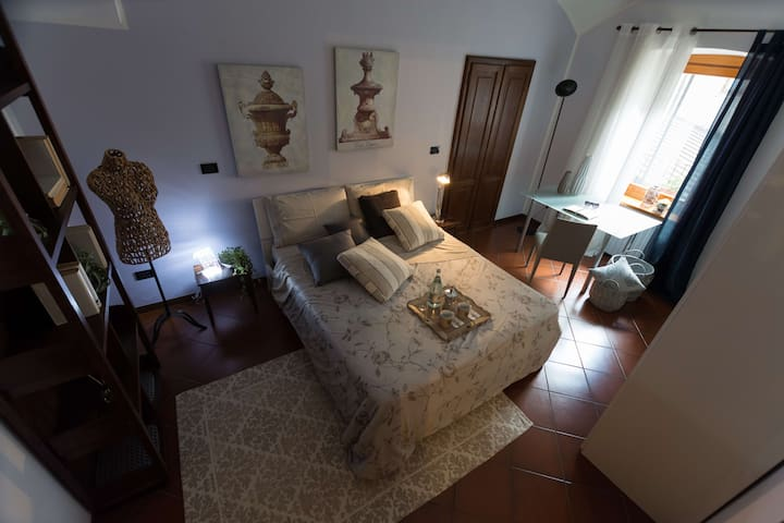 Romantic apartment in the city center with Wifi