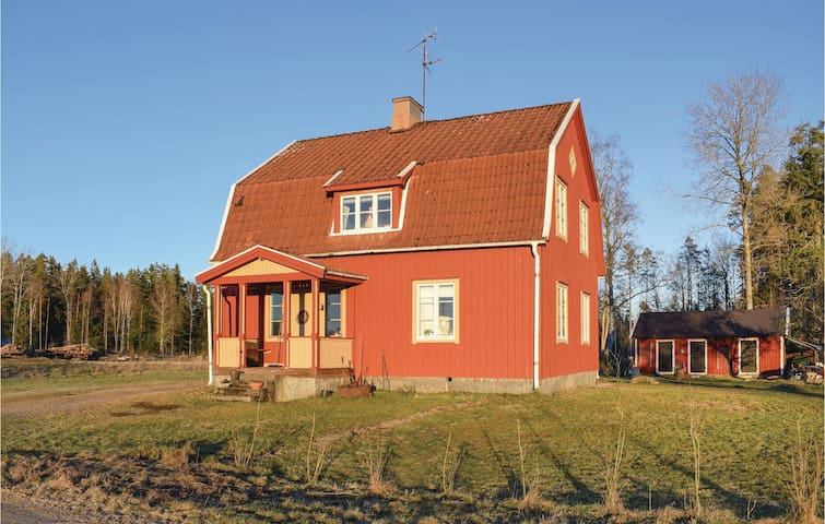 Holiday cottage with 3 bedrooms on 92m² in Bor