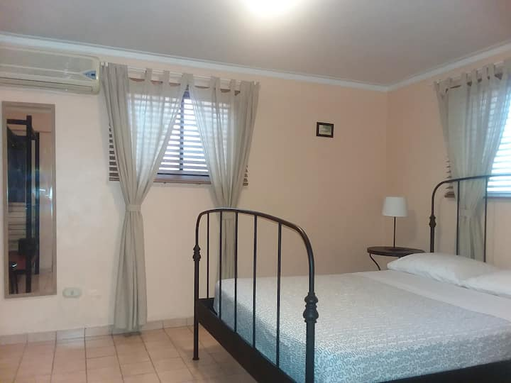 Gascue-Zona Colonial. Ideal for Long Term Stays.