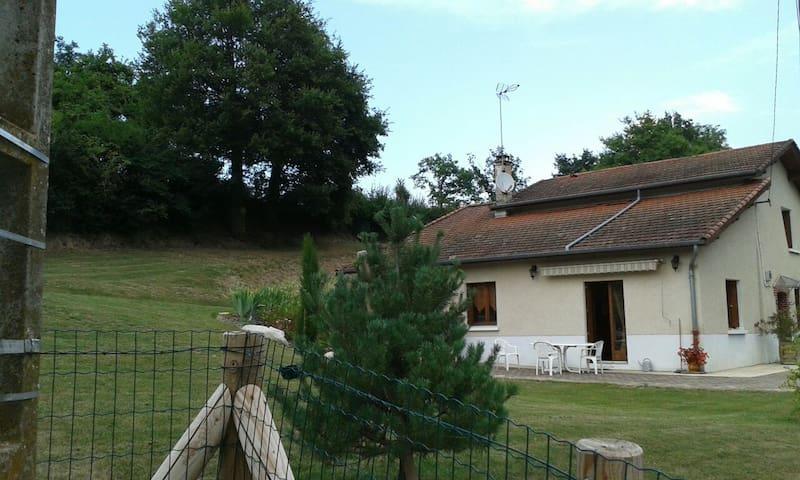 maison de campagne - Essertines-en-Donzy
