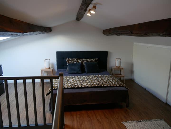 Bel appartement tout équipé avec mezzanine