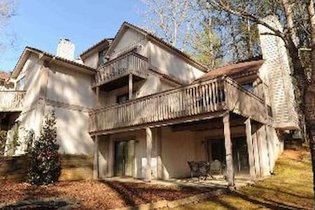Keowee Key home with amenities, close to Clemson! - House