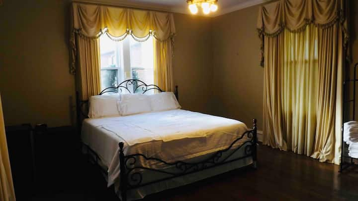 King Room 2 within Tolliver Manor