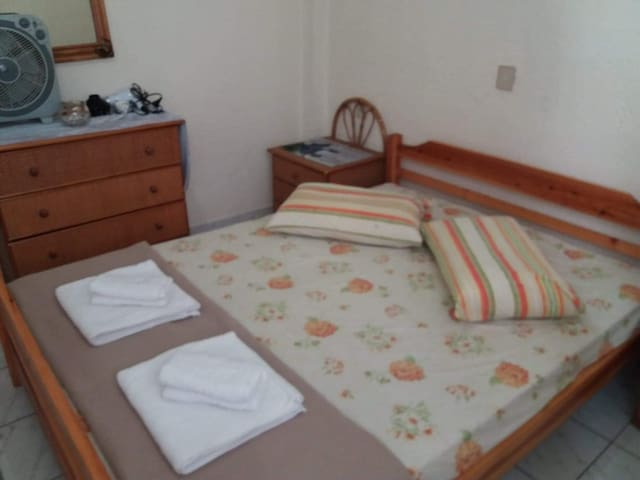 Sunny apartment near the beach!