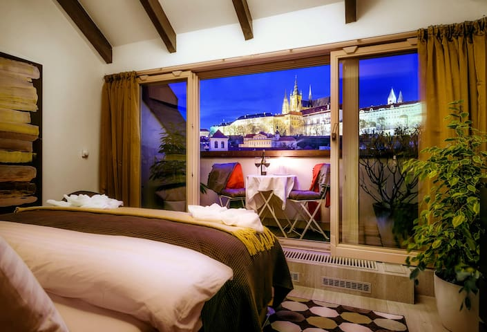 5★PRESIDENTS APT +CONCIERGE by Prague Castle,V!EWS