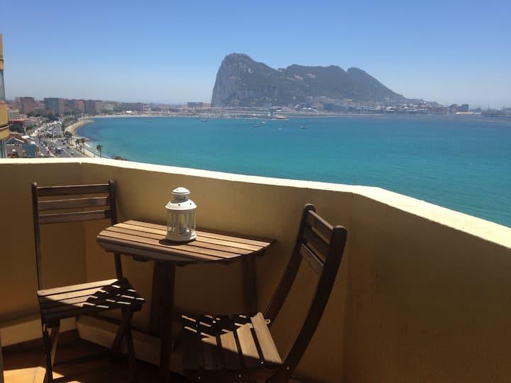 Apartamento con vistas a tres continentes.
