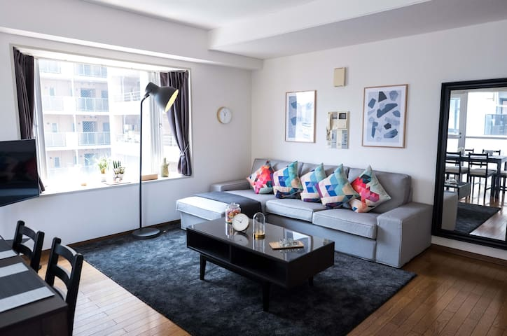 Large Tokyo Apartment Suite with Terrace 2