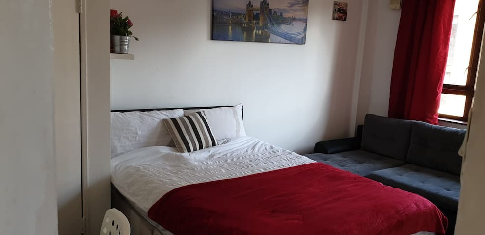 King's Cross St Pancras Private Quadruple Room