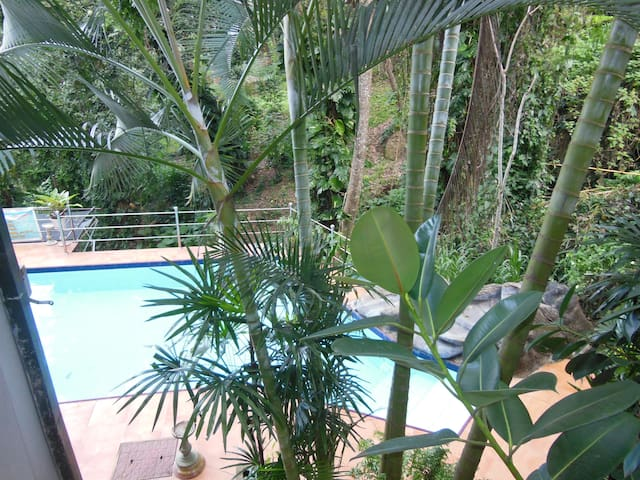 Cozy Creek View apartment - Kandy - Apartamento