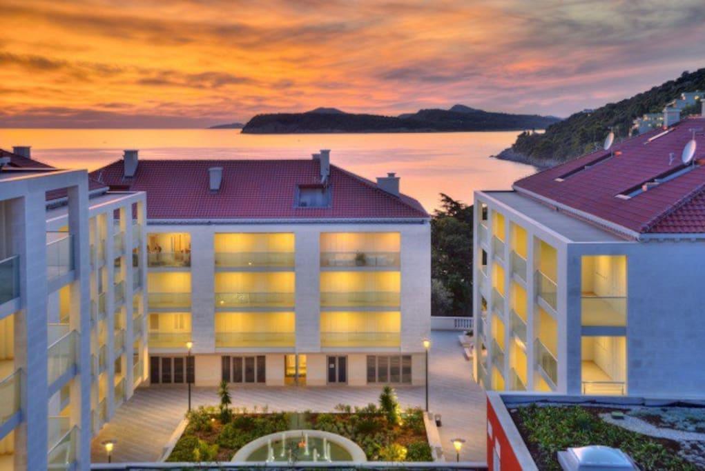luxury 2bedroom apartment(balcony) is in the complex Dvori Lapad