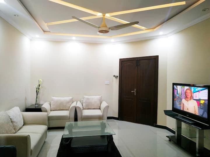 Elegant home in Bahria Town