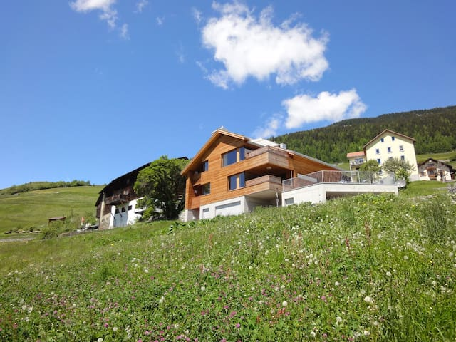 Beautiful place near Lenzerheide - Vaz/Obervaz - Apartamento