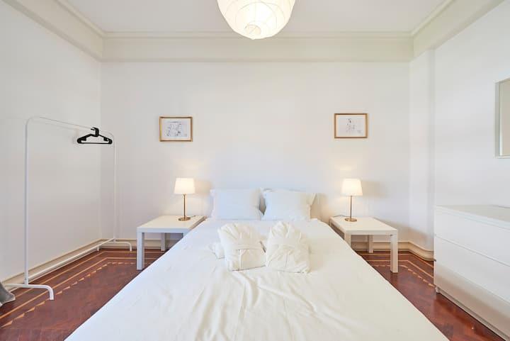 ★ Campo Pequeno Prestige ★ Lisboa Center Room 4