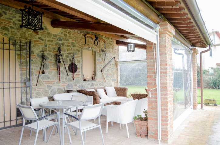 Holiday Home in Tuscany up to 6 - Lamporecchio - Apartment