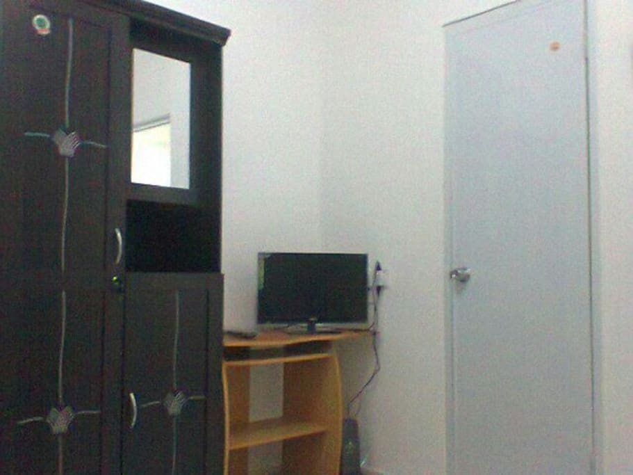 Wardrobe with mirror, 22 inch HDMI TV. You can see movie using file on flashdisk.