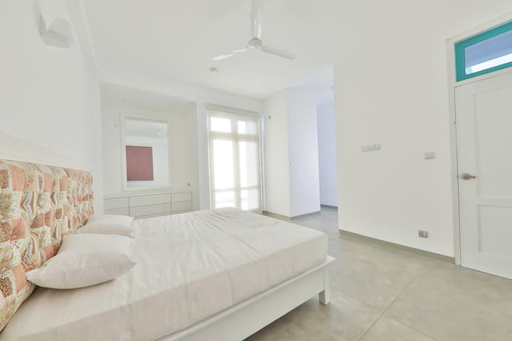 Villa ProEye - AC Bedroom with Breakfast - Galle