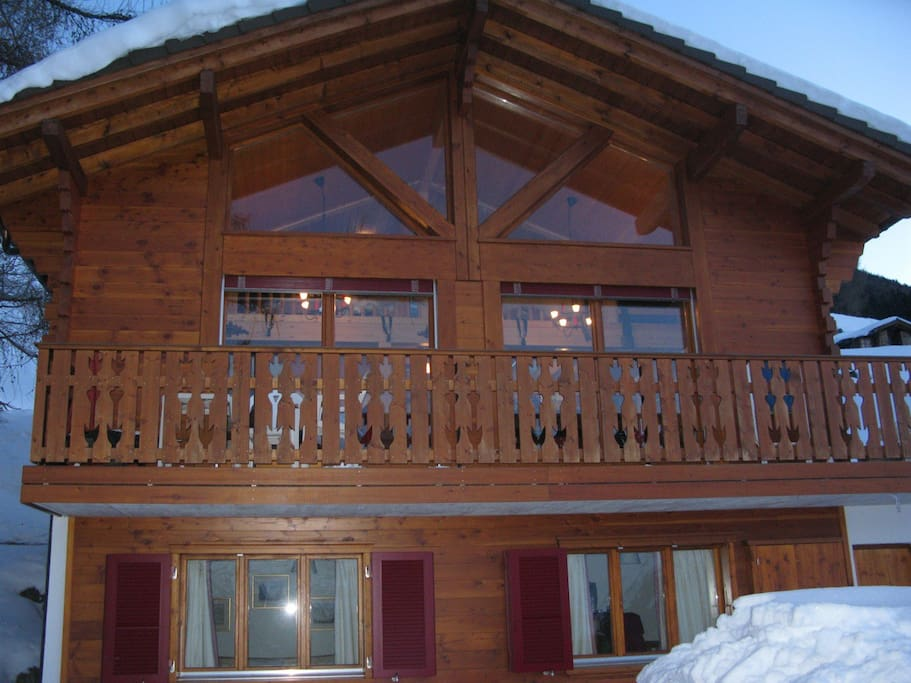 View of the front elevation of Chalet Jaesops