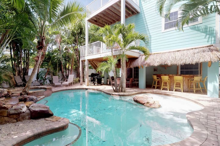 Spacious, dog-friendly home w/ private pool only a few blocks from the beach!