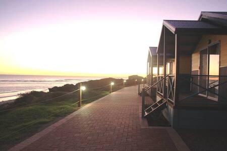 Tourist Park Ocean Front Chalet
