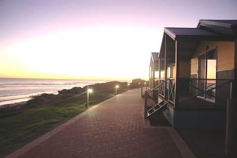 Tourist Park Deluxe Ocean Front Chalet