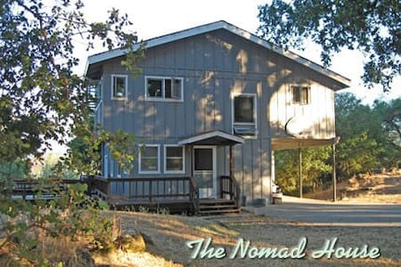 The Nomad House, a Holiday Retreat - Penn Valley - Hus