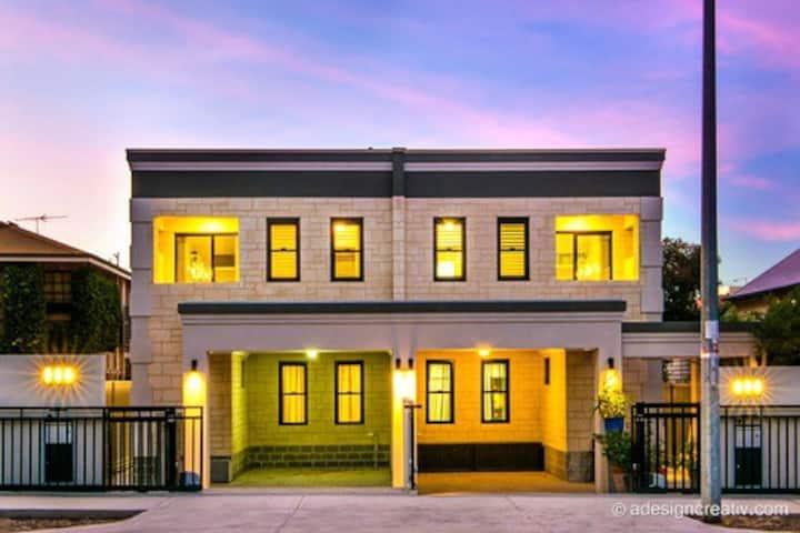 Bakery House-Premium Private Residence-Sleeps8-12