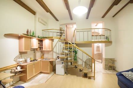 Studio Lux in the center of Kiev - Wohnung