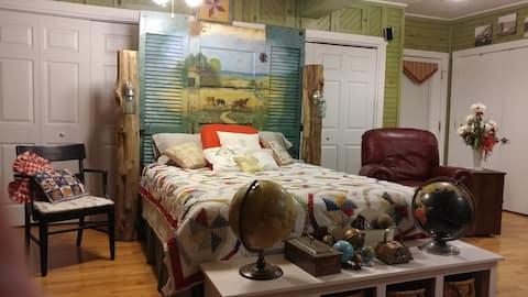 Shade Tree B&B - Paddock Room
