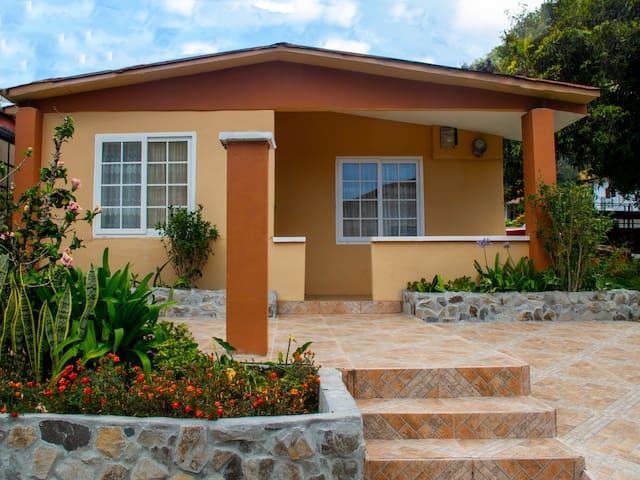 Casa Nuboso State, Boquete (casa de alquiler)