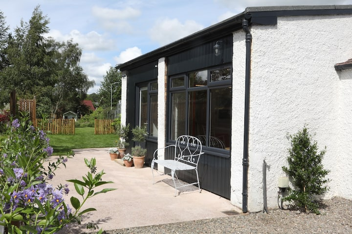 Garden Studio in Biggar